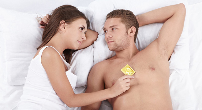 posle-seksa-naduvaem-prezervativ